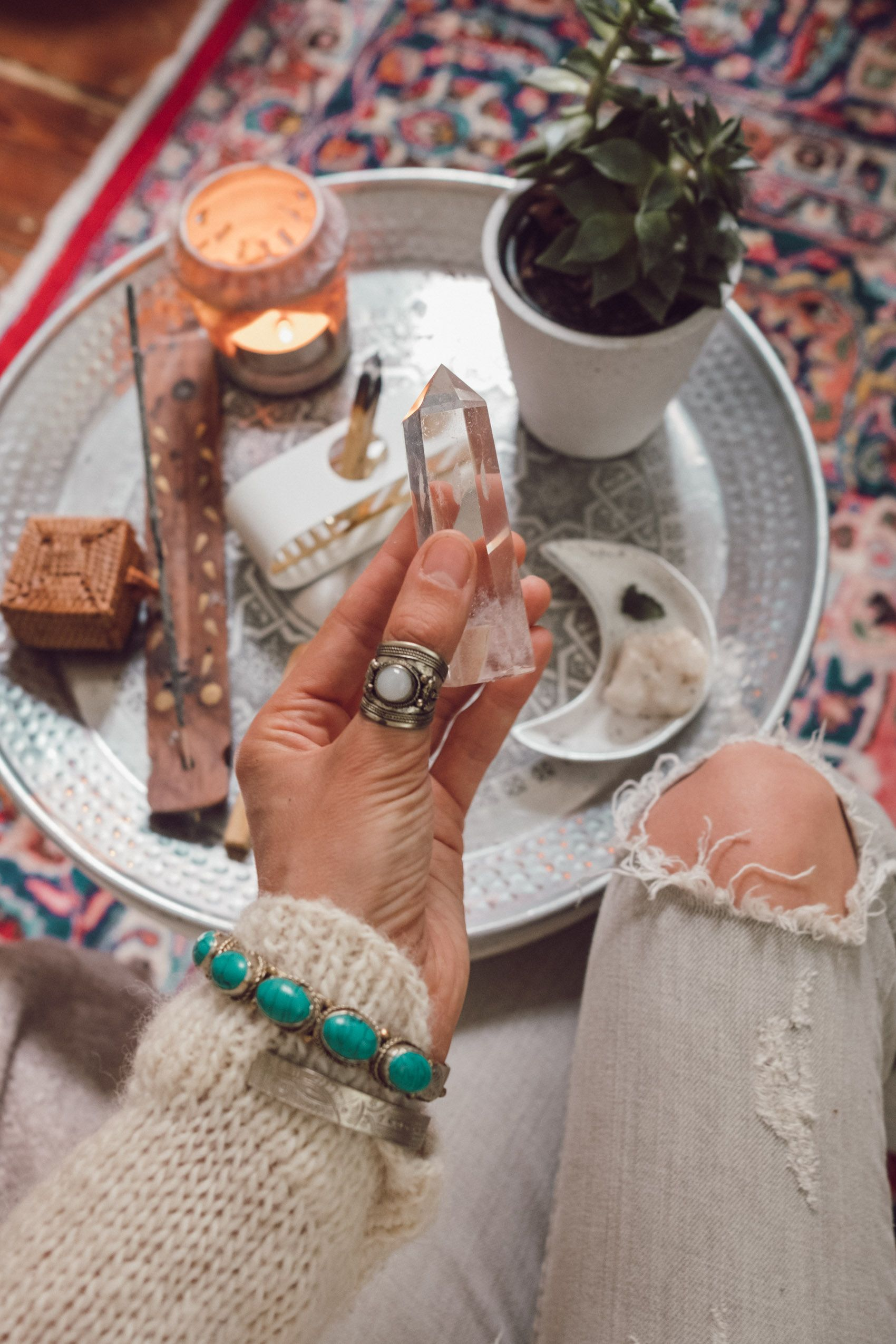 Mindful Altar – Crystals, Incense and more